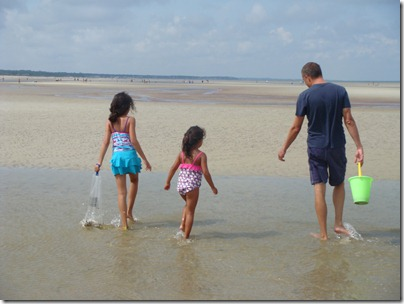 Danielle, Tori and me collecting shells and crabs